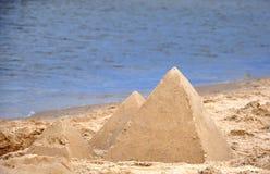 Pyramides de sable image libre de droits