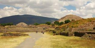 Pyramides de Teotihuacan Sun et de lune Photo libre de droits