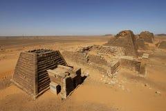Pyramides des règles de Kushite chez Meroe Photos stock