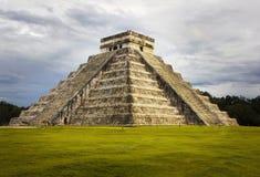 PyramidKukulkan tempel. Chichen Itza. Mexico. Royaltyfria Bilder