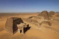 Pyramids of the Kushite rulers at Meroe. Ruined pyramids of Meroe, Sudan Stock Photos