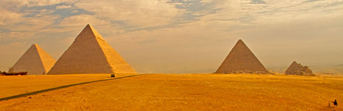 Free Pyramids Of Giza Royalty Free Stock Photography - 6869507