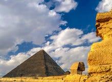 Pyrimid在吉萨棉和Sfinx,埃及 库存照片