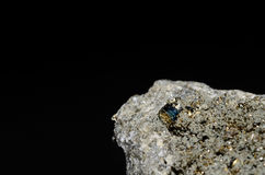 Pyrit立方体石头 库存照片