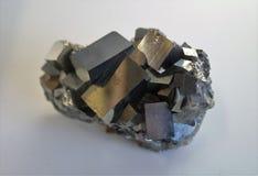Pyrit - järnmineral Arkivfoton