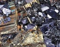 Pyrite, cubes, Druze, galène, quartz Photos stock