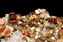 Pyrite rare avec les coins tronqués et couverture avec de l'hématite Photographie stock