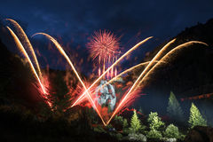 Pyrotechnic show, lägeToce vattenfall - Piedmont Arkivbild