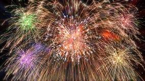 Pyrotechniek het exploderen Royalty-vrije Stock Fotografie