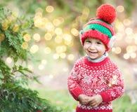 Pys, i att vänta på för tröja och för hatt jul i trät arkivbilder