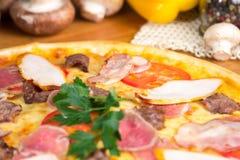 pyszna pizza Zdjęcia Stock