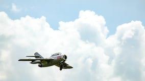 PZL Mielec SBLim-2 ιστορικά μαχητικά αεροσκάφη που πλησιάζουν για την προσγείωση Στοκ φωτογραφία με δικαίωμα ελεύθερης χρήσης