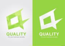 Q het symboolbasis van het Kwaliteitspictogram op q-brief Stock Foto