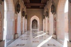 Μεγάλο μουσουλμανικό τέμενος Qaboos σουλτάνων, Muscat Στοκ φωτογραφία με δικαίωμα ελεύθερης χρήσης