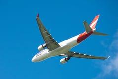 Qantas A330 no vôo Imagem de Stock Royalty Free