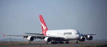 Qantas A380 komt in Sydney aan Stock Afbeelding