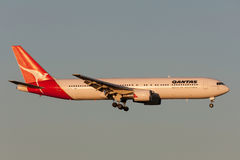 Qantas Boeing 767-338/ER VH-OGI on approach to land at Melbourne International Airport. Royalty Free Stock Photography