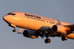 Qantas Boeing 737 Flugzeuge auf der Annäherung, zum bei Adelaide Airport zu landen stockfotos