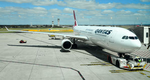 Qantas plane at arrival terminal Royalty Free Stock Photography
