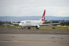 Qantas planieren bei Adelaide Airport Stockfotografie