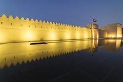 Qasr Al Muwaiji, yttre defensiv vägg, Al Ain, Januari 2018 royaltyfri bild