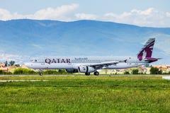 Qatar Airways Airbus após a aterragem em Zagreb Foto de Stock Royalty Free