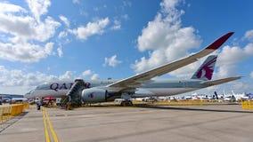 Qatar Airways Airbus A350-900 XWB na exposição em Singapura Airshow Imagens de Stock