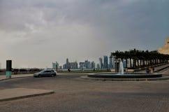 Qatar doha på natten Arkivfoton
