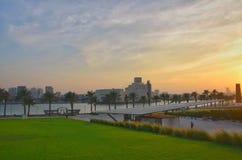 Qatar doha på natten Arkivfoto