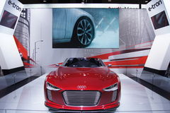 Qatar Motorshow 2011 - Audi E-tron Imagens de Stock Royalty Free