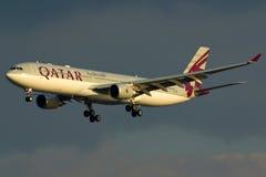 Qatarisk nivå för flygbuss A330 Fotografering för Bildbyråer
