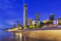 QE surfingowów raju plaży miasta wzrosta CEP fotografia royalty free