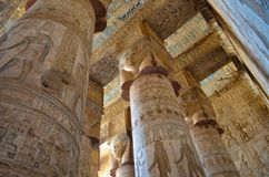 Qena L'Egypte - 11 novembre 2014 : Complexe de temple de Dendera photographie stock