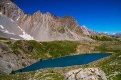 Qeyras της Anne λιμνών sainte στις Hautes Alpes στη Γαλλία στοκ φωτογραφίες με δικαίωμα ελεύθερης χρήσης