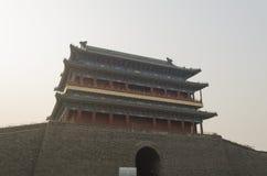 Qianmen Zhengyangmen brama Zenitowy słońce w Pekin miasta historycznej ścianie Obrazy Royalty Free