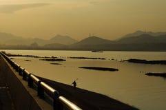 Qiantang Fluss am Abend Lizenzfreies Stockbild