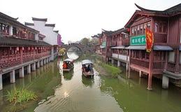 QiBao gammal stad, Shanghai Arkivfoto