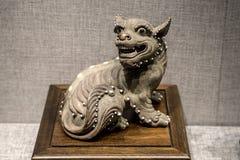 Qing Dynasty keramisk konst, för `-dubblett för Su foster- ` för björn för svans, Royaltyfri Bild