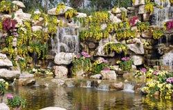 Qingbaijiang, China: Chrysantheme-Wasserfall Lizenzfreie Stockfotografie
