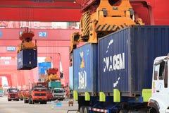 Qingdao port Arkivfoto