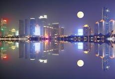 Qingdao-Skyline China lizenzfreie stockfotografie