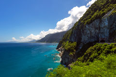 Qingshui klippor på kusten i Hualien, Taiwan Royaltyfria Bilder