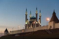 Qol谢里夫清真寺在晚上 免版税库存图片