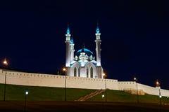 Qolsharif - Moskee in Kazan het Kremlin op de nacht stock foto