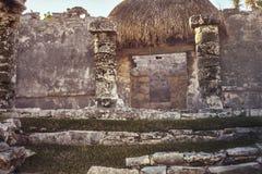 Qué permanece de la construcción maya #2 imagen de archivo