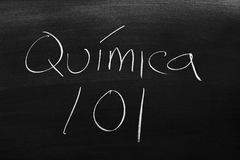 Química 101 On A Blackboard royalty free stock image