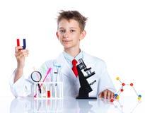Químico entusiasta joven Imagen de archivo libre de regalías