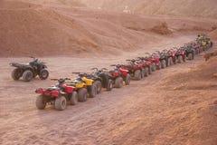 Quad il safari della motocicletta in deserto, lo Sharm el Sheikh, Egitto immagine stock