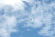 Quadcopter-Brummen Stockfotografie