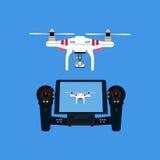 Quadcopter con la cámara Fotos de archivo libres de regalías